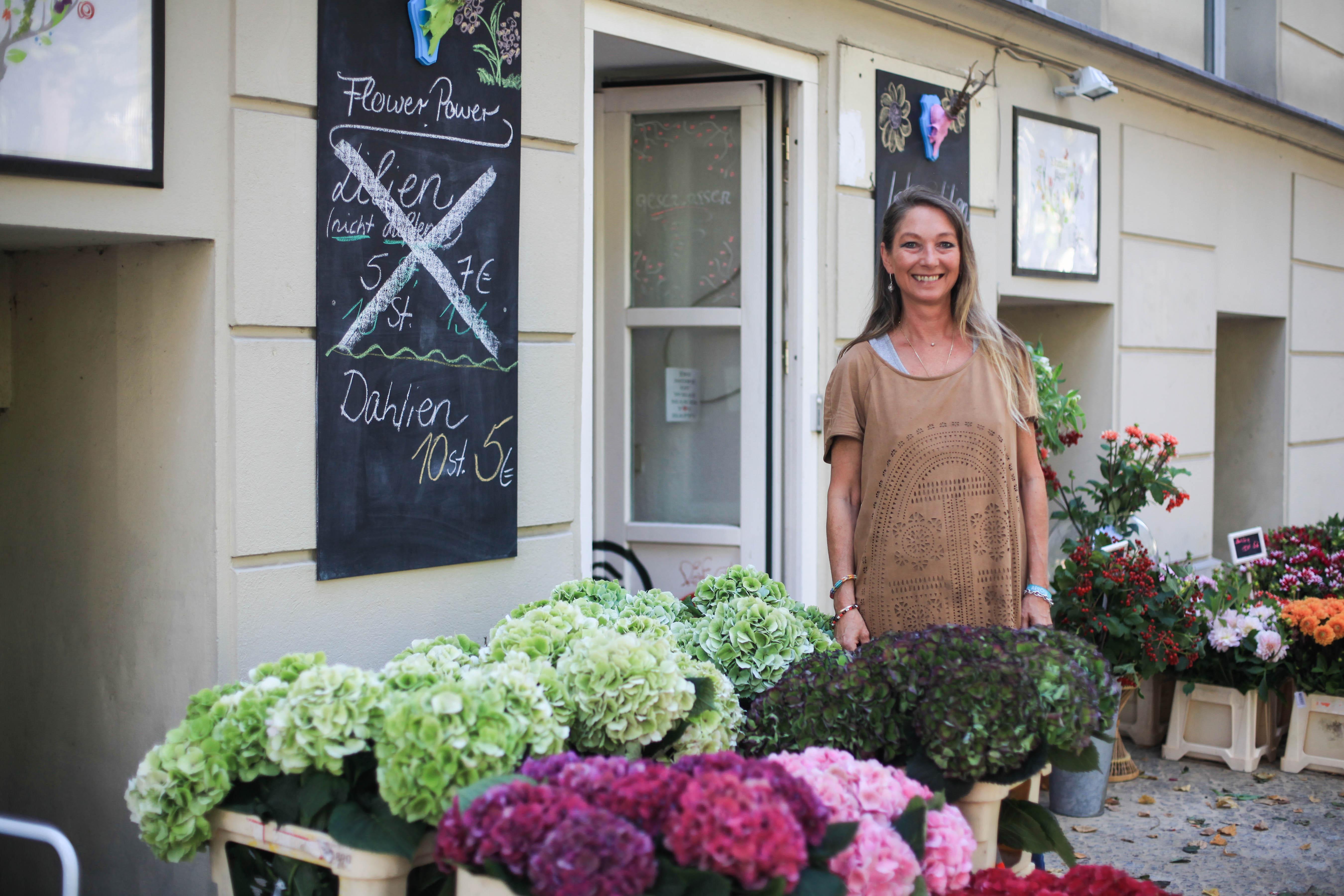 Inhaberin Iris Schüttken hat ihren Traum vom Blumengeschäft verwirklicht.