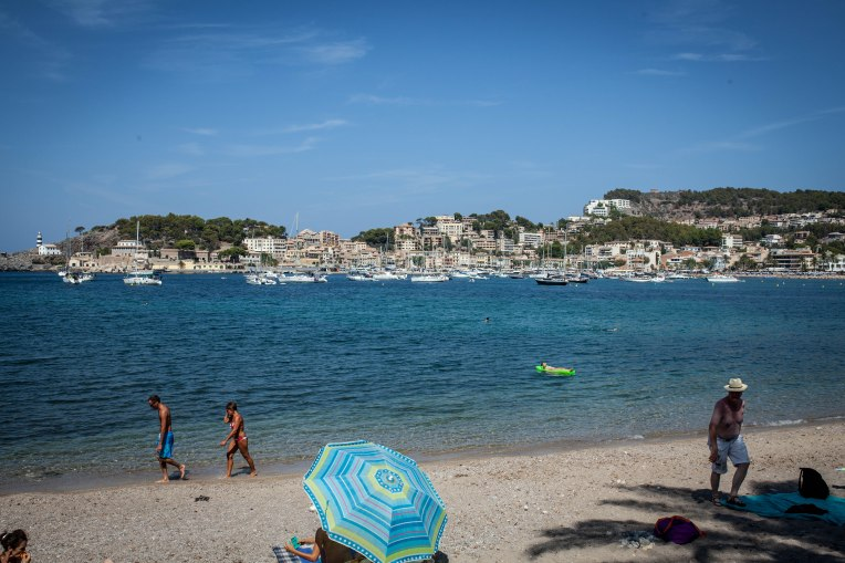 Port de Sollér liegt im Westen von Mallorca. Direkt beim Tramuntana Gebirge.